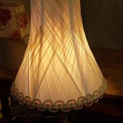 pagode cintrée en soie stretch tressée écrue, doublure  couleur saumon